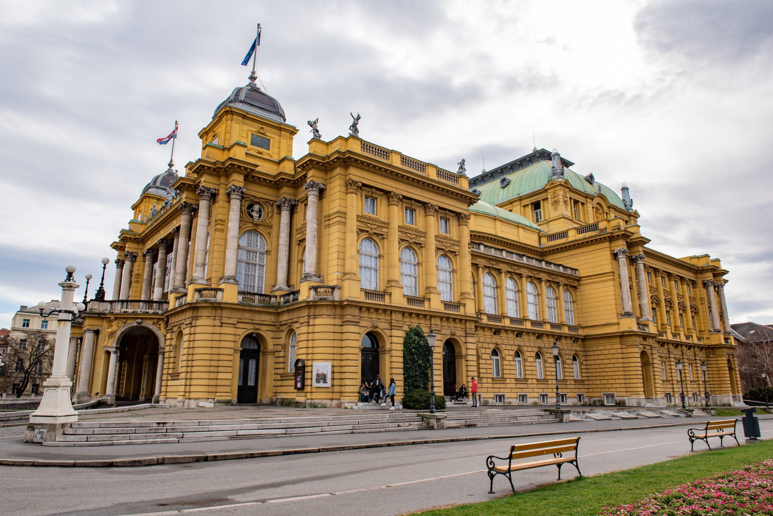 Na Druzinski Izlet V Zagreb Slovenske Zeleznice
